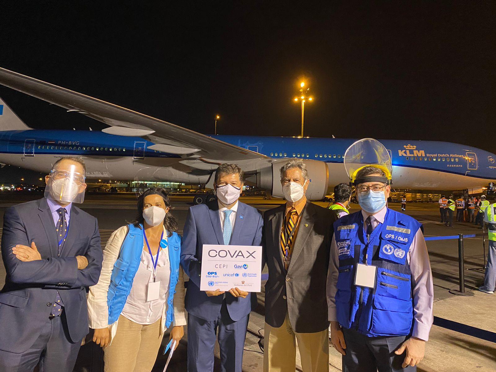 Llegan al Perú las primeras vacunas COVAX contra la COVID-19